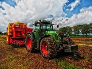 free prod agro tractor-385681_1920